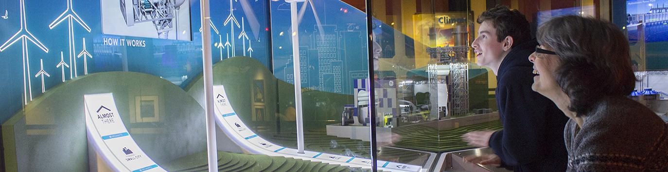 Making wind turbines move in Energy exhibit